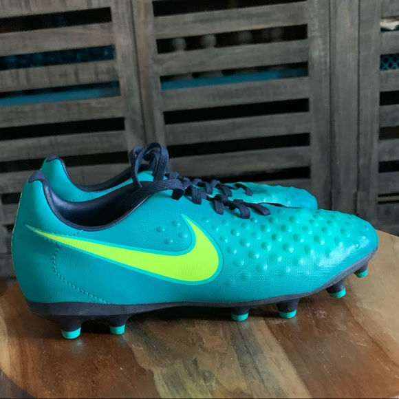 Nike Shoes | Youth Soccer Sz 4y | Poshmark